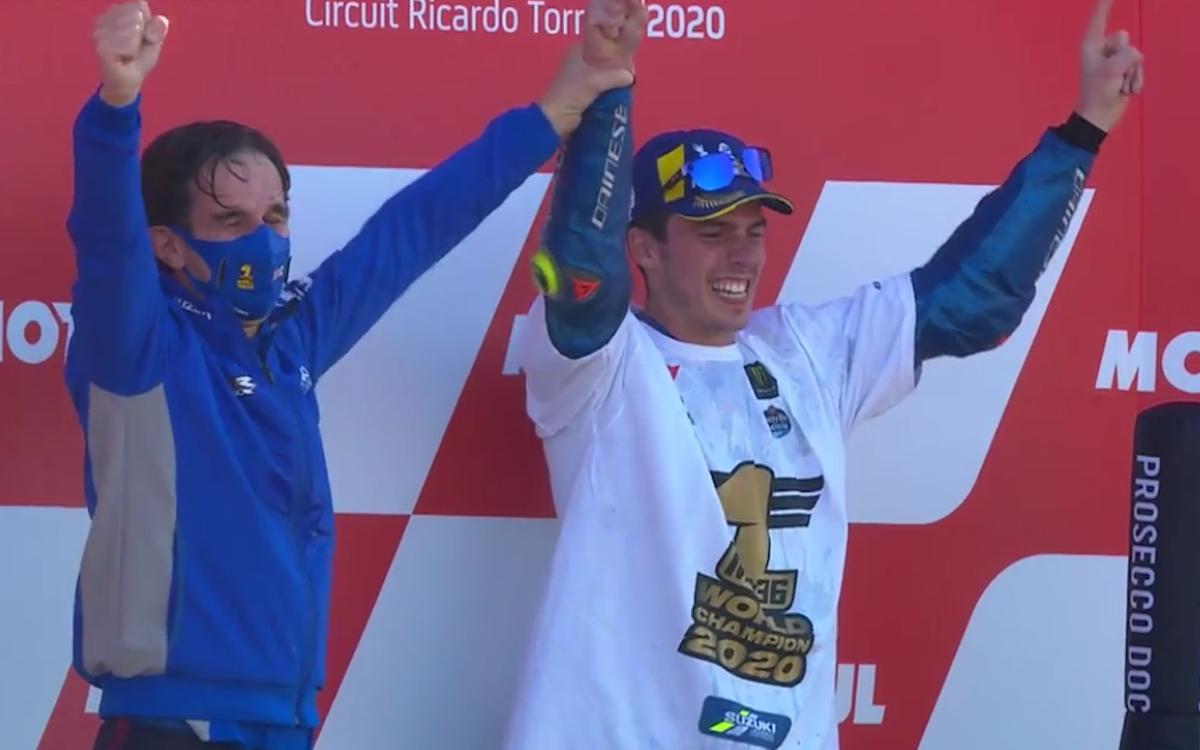 Davide Brivio e Joan Mir sul podio di Valencia