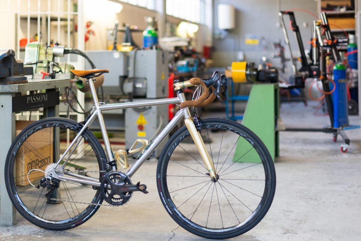 Passoni: le biciclette in titanio che hanno conquistato Emiri e australiani