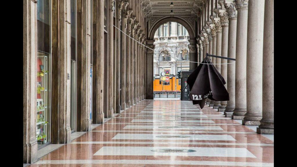 Una fotografia di Milano post pandemia. (Foto Stefano Corrada)