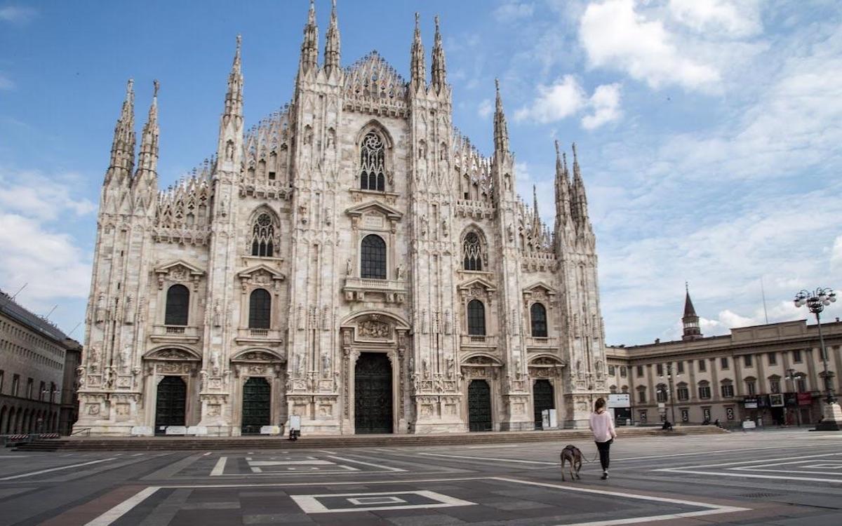 """duomo di milano """"Fuga dalla città"""", perché Milano per ripartire deve cambiare pelle. Il libro di Fabio Massa"""